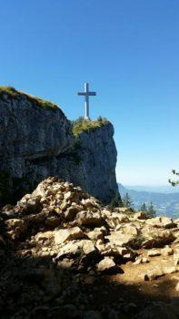 Croix du Nivolet et falaise